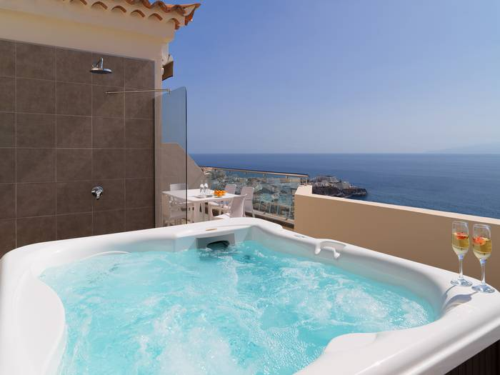1 bedroom luxury with jacuzzi royal sun resort acantilado de los gigantes