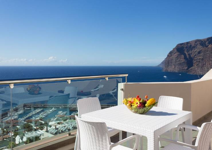 1 bedroom deluxe apartment royal sun resort acantilado de los gigantes